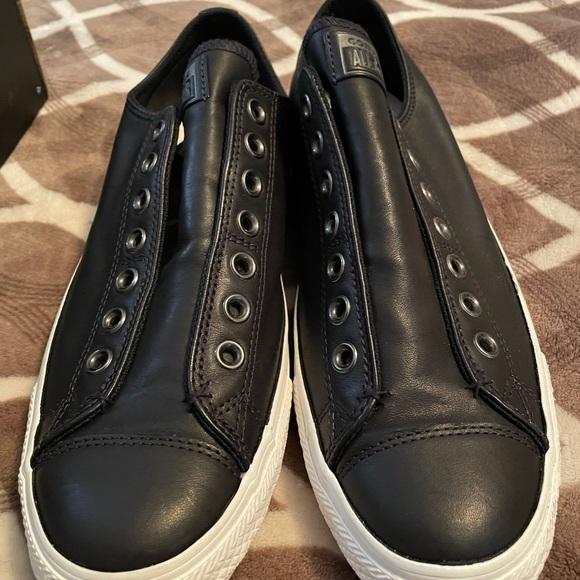 Men's Converse slip ons size 11